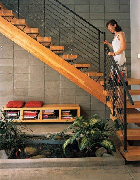 Capa - Como aproveitar o espaço embaixo da escada? Inspire-se!