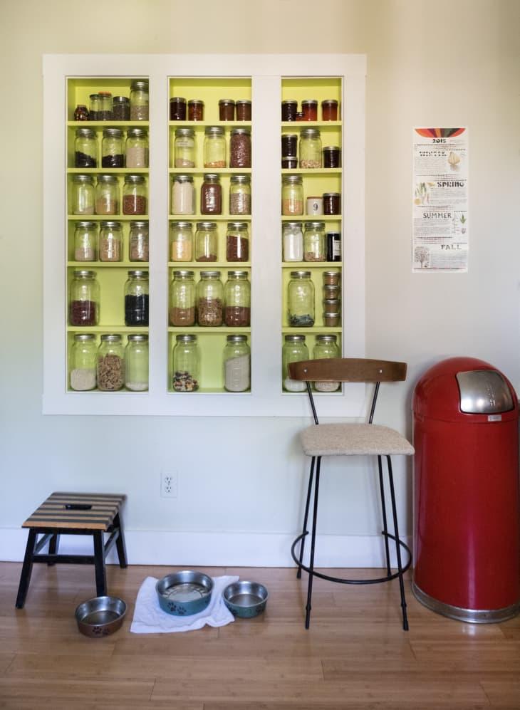 organizar prateleiras e armários