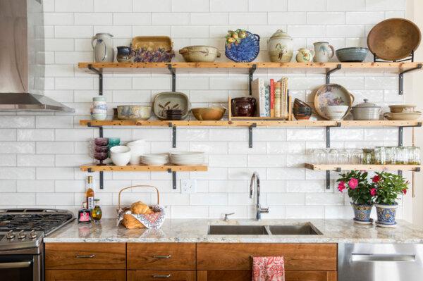 Capa - 14 maneiras de organizar suas prateleiras e armários de cozinha