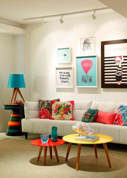 decorar um apartamento alugado - use quadros divertidos