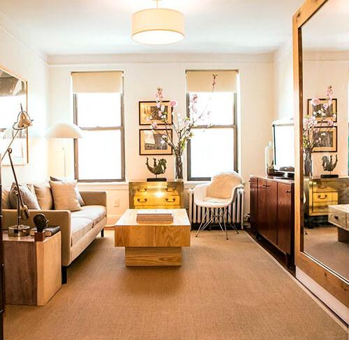 decorar uma apartamento alugado - espelho na sala de estar