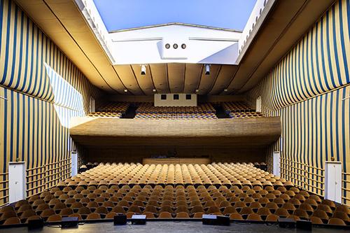 arne jacobsen bellevue theatre