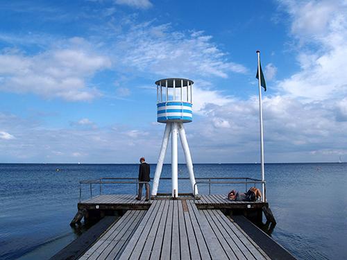 arne jacobsen life guard tower klampenborg
