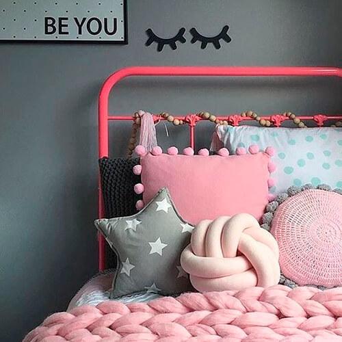 Decorar com amor - almofadas diferentes na cama
