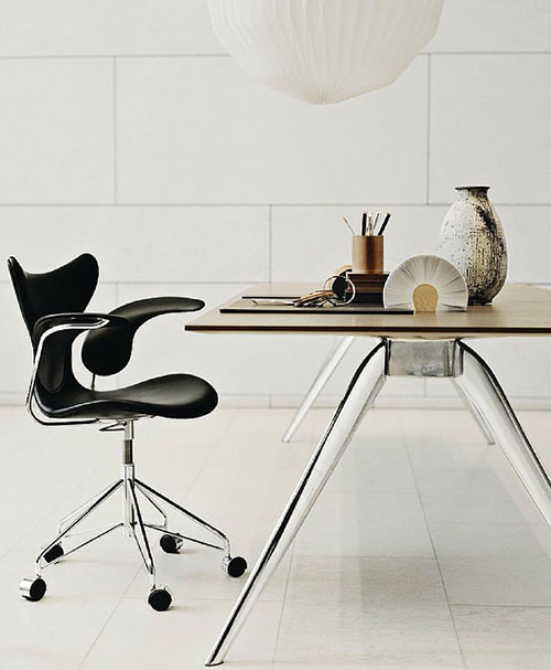 arne jacobsen lily arm chair