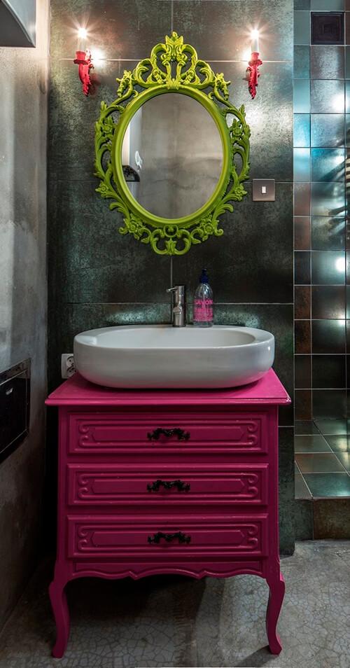 espelho barroco no lavabo