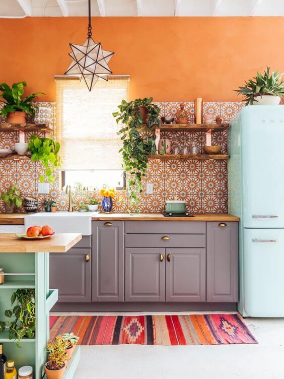 Novo boho chic - cozinha com ladrilhos coloridos
