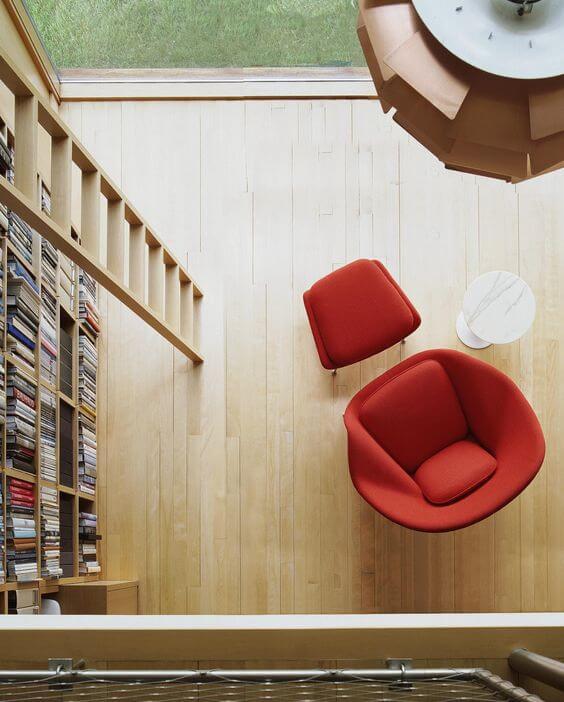 Home Office - Poltrona Womb - Mesa Lateral Saarinen