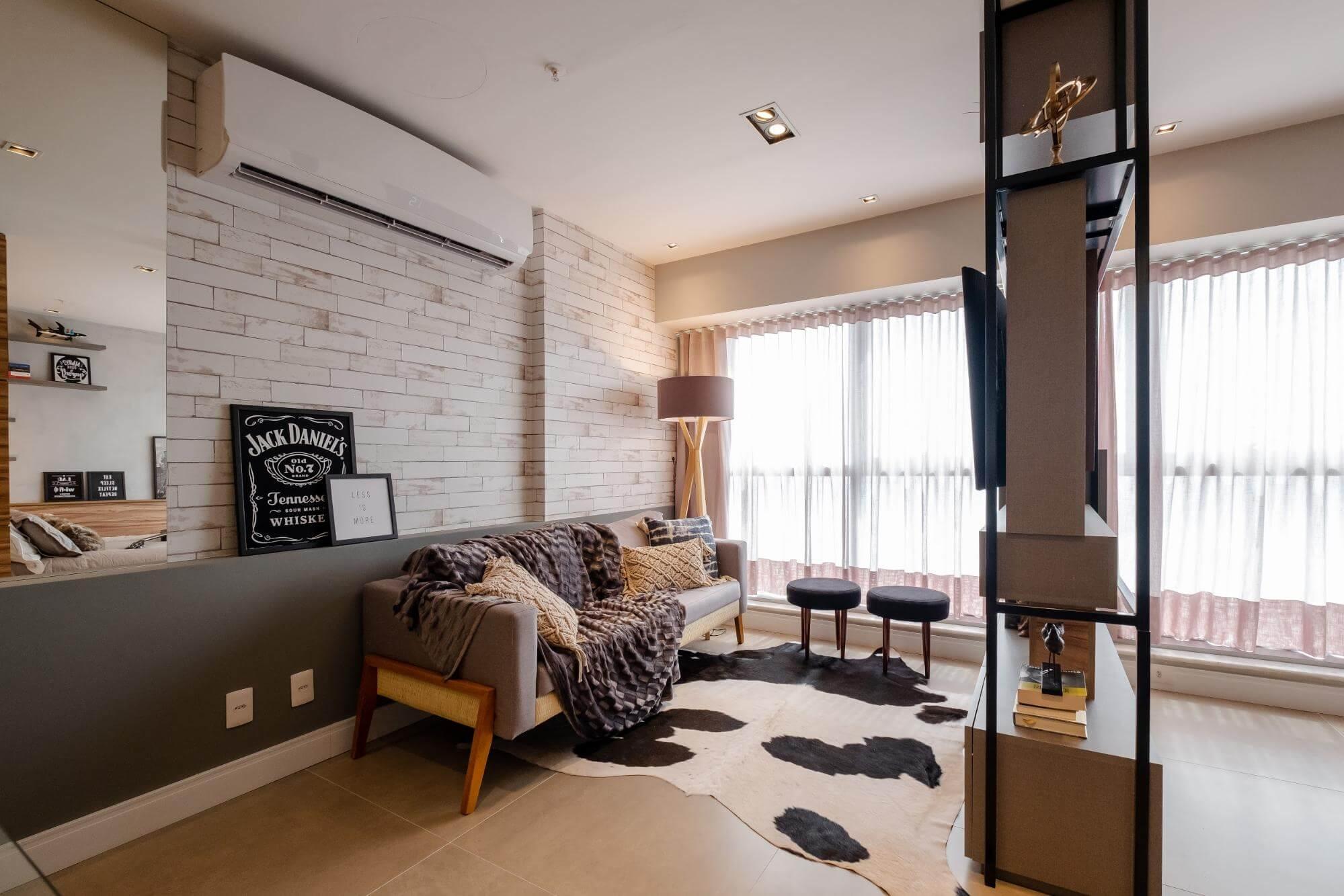 Apartamento pequeno - estantes para dividir