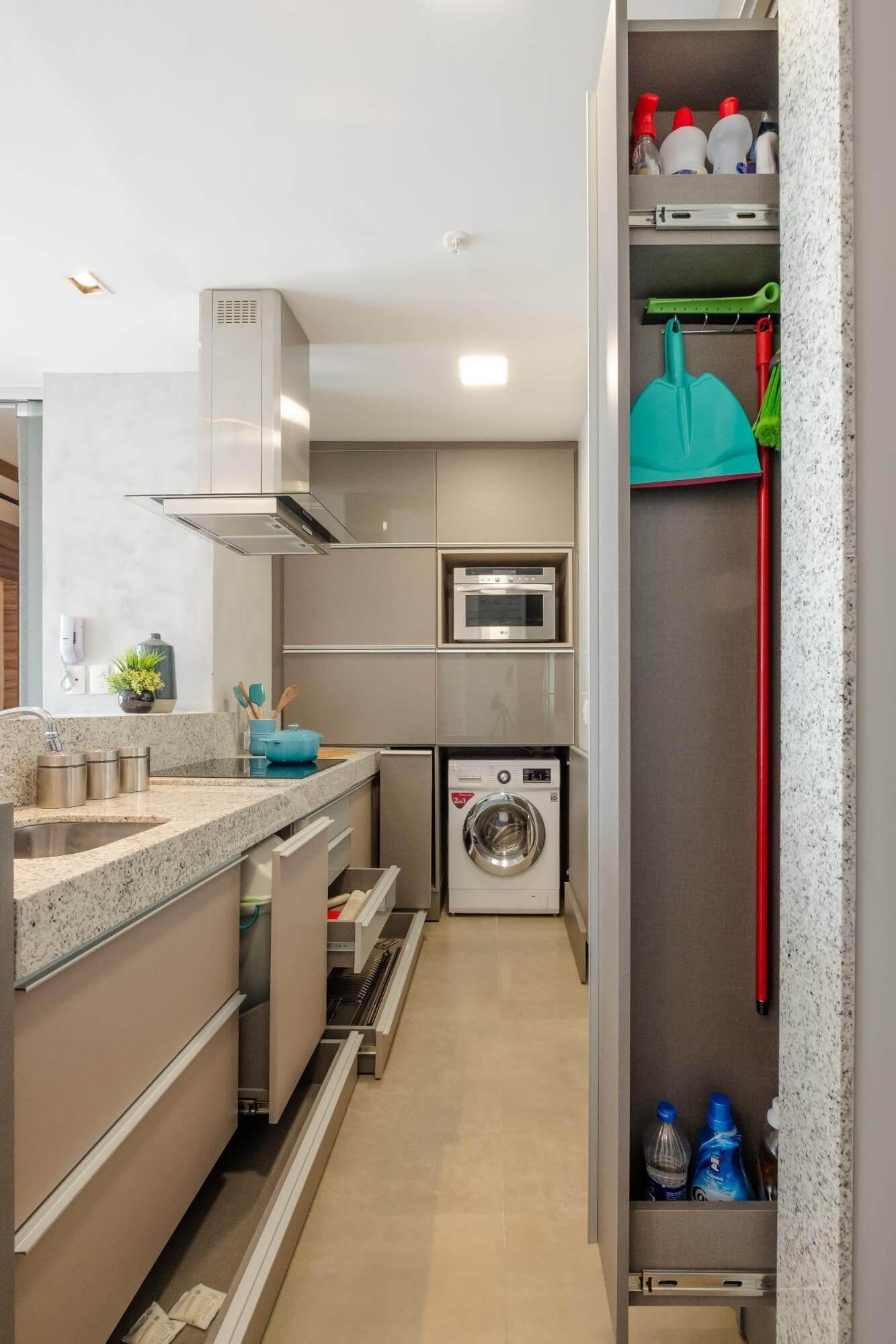 Apartamento pequeno - armários de correr