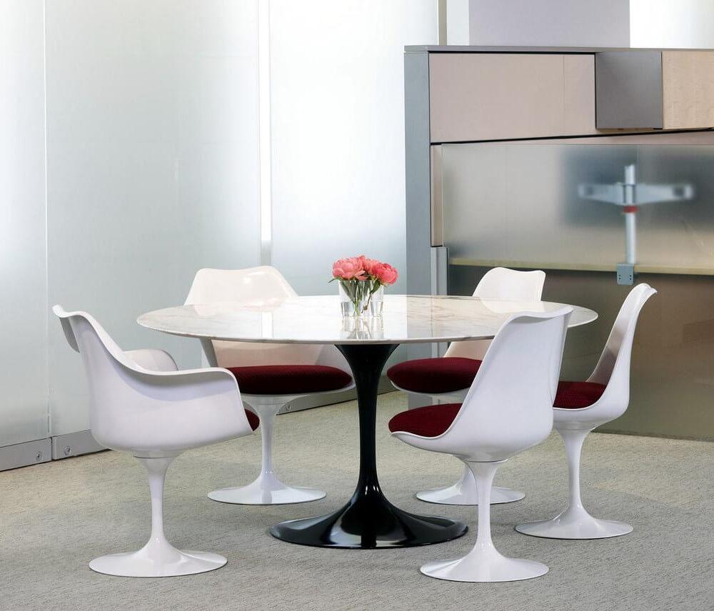 tampo para a mesa jantar - Mesa Saarinen Oval - LIV Decora