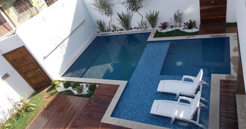 área de lazer pequena - piscina