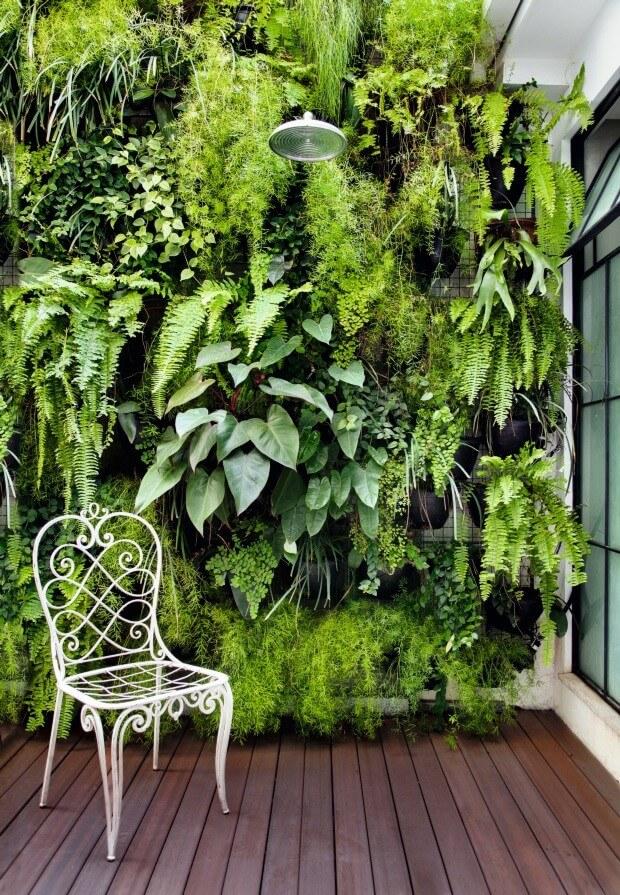 área de lazer pequena - Jardim Vertical Duplo - LIV Decora