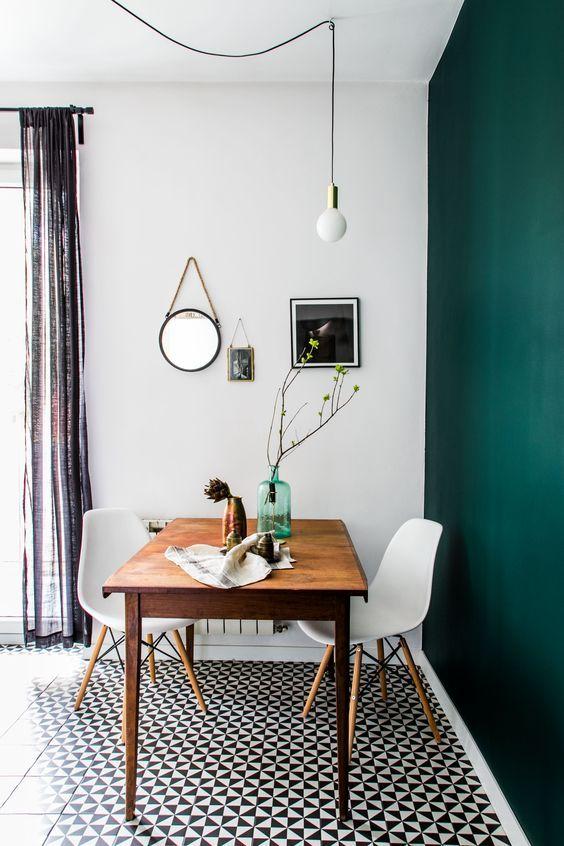 Truques na Decoração - Cadeira Eames Eiffel Madeira - LIV Decora