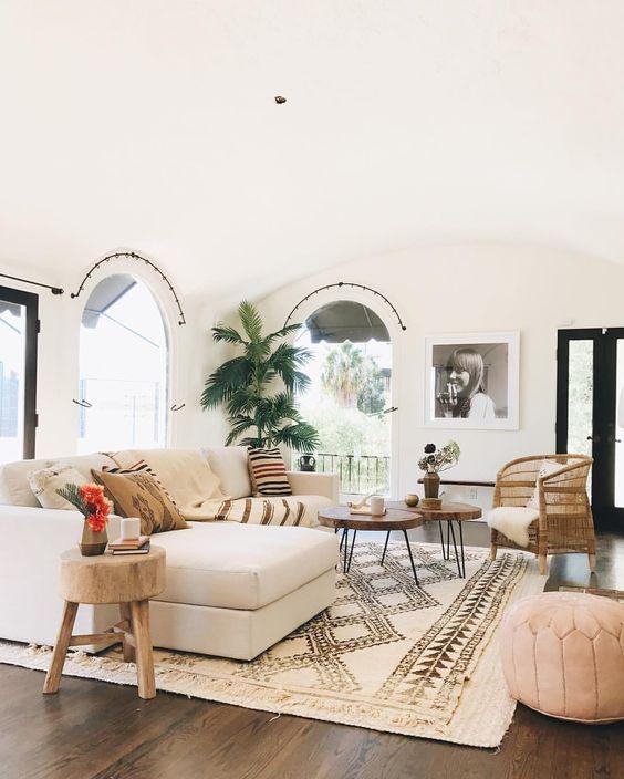 Uma lista com cores e estilos para o ambiente mais social da casa a sala Kika Junqueira