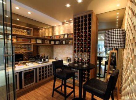 Como ter um bar em casa: 9 opções para a sua decoração!