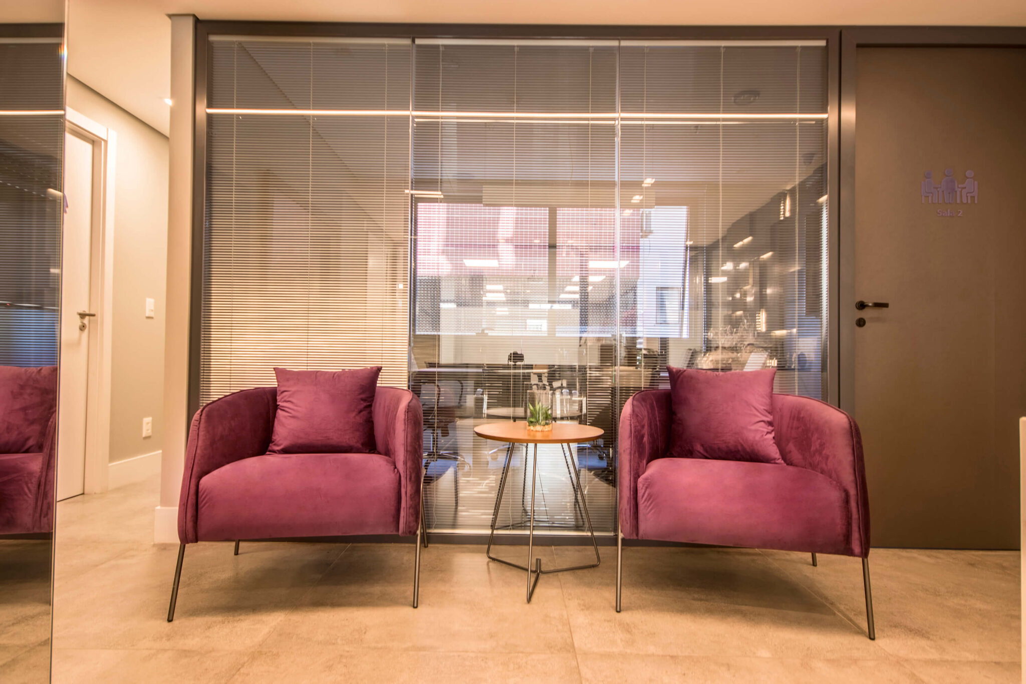 Empreendimento: IN 1183 Prime Offices - Móveis para as áreas comuns do condomínio e escritório da sede - Fotógrafo: Fábio Carvalho
