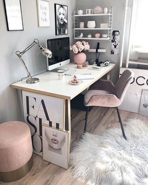 home office no quarto 222