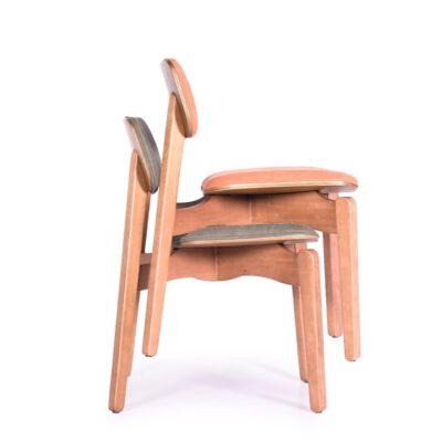Cadeira Empilhável Estofada Yumi
